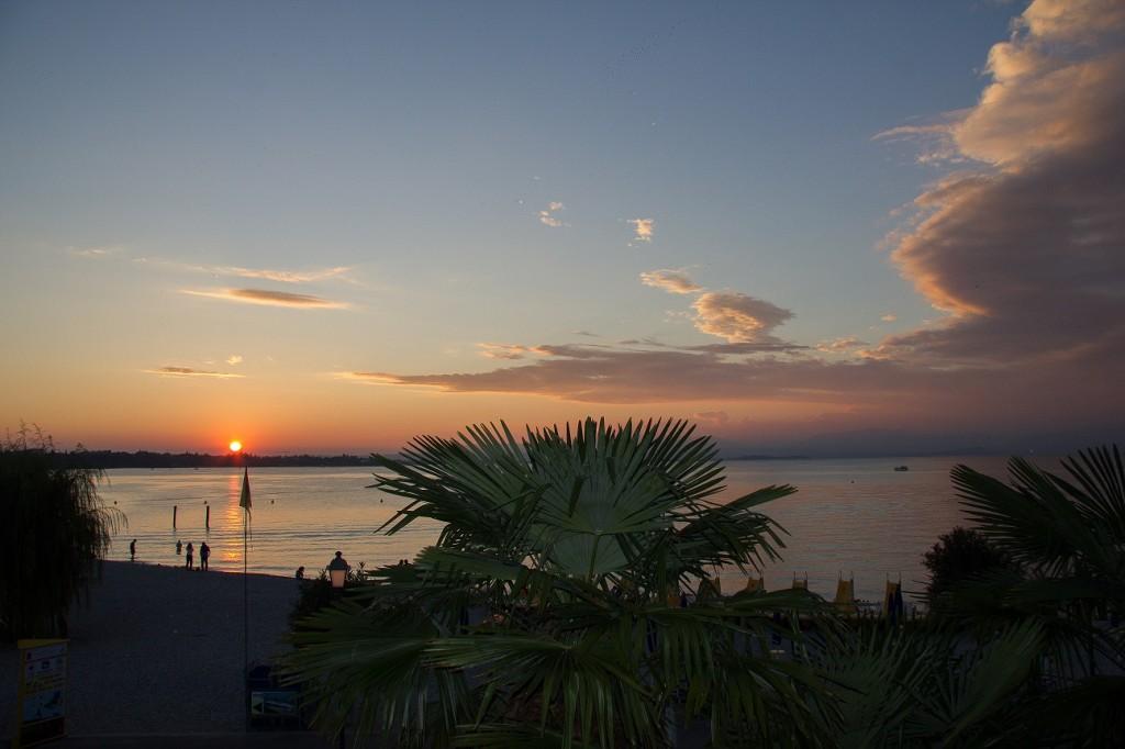 Restaurant met mooi uitzicht in de haven van Peschiera
