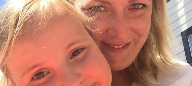 Single mom Anne testte met haar kinderen camping Playa Montroig. Ook oma ging mee!